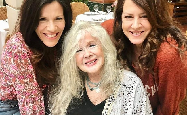 Tricia Leigh Fisher, Connie Stevens, Joely Fisher posing for the camera